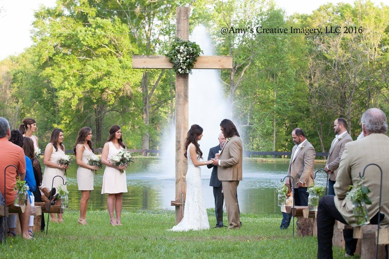 Weddings Photographer The Hideaway At Reeds Estate